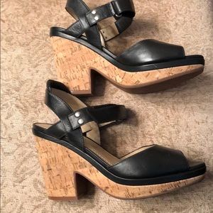 Great condition black leather sandal